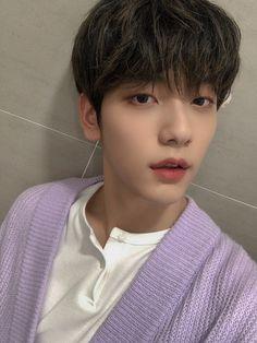 Kai, Twitter Update, K Idols, South Korean Boy Band, Korean Singer, Photo Cards, Boy Groups, Beautiful Men, Boy Bands