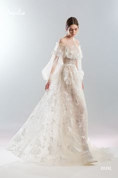 Wedding Gown Pre-view 2019 Wedding Dress Collection - Papilio Boutique - The brand new 2019 wedding dress collection from Papilio is here and it is oh-so elegant and unique! Shop for unique wedding dresses of your dreams here. Western Wedding Dresses, Wedding Dress Styles, Bridal Dresses, Wedding Gowns, Lace Wedding, Dresses Short, Nice Dresses, Bridal Collection, Dress Collection