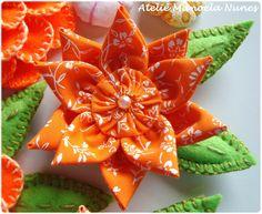 Flor de Fuxico com Pétalas em Ponta