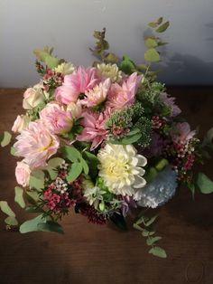#bouquetrond #madameartisanfleuriste http://www.madame-artisanfleuriste.com/
