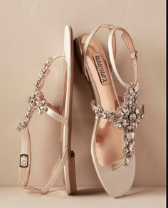 bridesmaid shoes ideas? I don;t do so well in heels and also grass/the dock will make this more challenging!