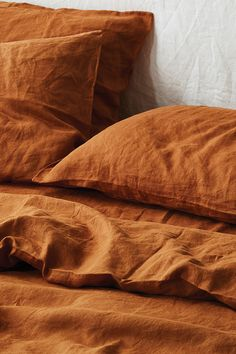 Ultra luxurious pure French linen quilt cover in Ochre Living Room Decor, Bedroom Decor, Bedroom Inspo, Master Bedroom, Retro Furniture, Quilt Cover, Bed Covers, Bedding Sets, 100 Pure