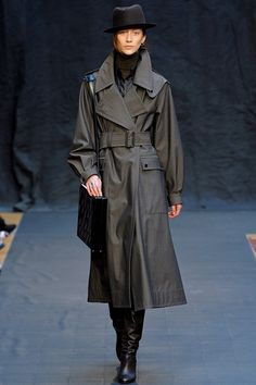 http://www.vogue.co.uk/fashion/autumn-winter-2012/ready-to-wear/hermes/full-length-photos/gallery/761752