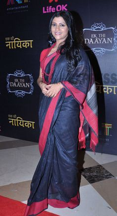 The only Daayan present at the launch was Konkona Sen Sharma, who was elegant in a simple black and red sari. Indian Actress Photos, Indian Actresses, Indian Celebrities, Bollywood Celebrities, Beautiful Bollywood Actress, Beautiful Indian Actress, Outside Movie, Red Sari, Today In Pictures
