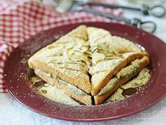 café 설빙(Sulbing)'s 인절미토스트(Injeolmi toast) copycat recipe. Injeolmi is korean sticky rice cake dusted with sweet soybean powder. This toast tastes so good, I guarantee you will love it!