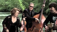 The SteelDrivers - Long Way Down - The SteelDrivers are a bluegrass band from Nashville, Tennessee. Members include fiddler Tammy Rogers, bassist Mike Fleming, guitarist Gary Nichols and banjoist Richard Bailey.