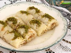 Tenceretv.com Türkiyenin yöresel lezzetlerinin peşinde :) Nefis bir yöresel tatlı tarifi var bugün, Şillik Tatlısı...