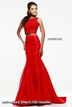 What a gorgeous 2-piece mermaid dress