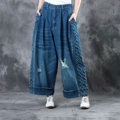 Buy Retro Style Distressed Boyfriend Jeans Womans Wide Leg Jeans in Jeans online shop, Morimiss offers Jeans to make you feel comfortable Funky Outfits, Jean Outfits, Casual Outfits, Denim Fashion, Retro Fashion, Vintage Fashion, Style Vintage, Denim Outfit, Denim Pants