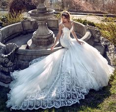 Wedding dress idea; Featured Dress: Galia Lahav, Featured Photographer: Greg Swales