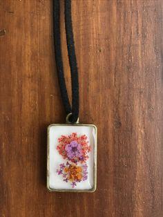 100% Handmade dengan real dried flower & resin. STOCK 1 Bisa custom warna tali (hitam atau cokelat) Bisa buat kalung/gelang. Contact for further information : WA : +6281287888879 . #kalung #resin #kalungresin #homemade #diy #resinbunga #flower #driedflower #resinart #handmade #handmadeaccessory #resinaccessory #garden #jewellery #pendant #necklace #art #accessory #kalunghandmade #kalungtribal #kalunghippie #bohojewelry #bohemianjewelry #bohochic #kalungethnic #jualkalung #hippie\