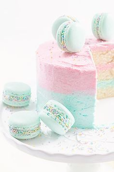 pastels.quenalbertini: Vanilla Ombre Cake  Macarons   Tumblr