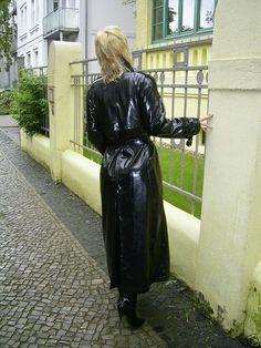 Vinyl Raincoat, Pvc Raincoat, Plastic Raincoat, Mackintosh Raincoat, Rain Fashion, Women's Fashion, Imper Pvc, Rubber Raincoats, Pvc Coat