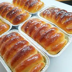 파리바게트 연유브레드 만들기 : 네이버 블로그 Bread Cake, Kimchi, Hot Dog Buns, Cookies, Baking, Sweet, Easy, Desserts, Recipes