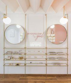 Boutique Interior, Boutique Decor, Jewelry Store Design, Nail Salon Design, Vintage Bedroom Furniture, Glam Living Room, Store Window Displays, Cosmetic Shop, Retail Store Design