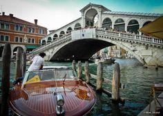 Rialto Bridge, Venice, Italy ♒ http://www.granitehistory.org/bridge-designs/