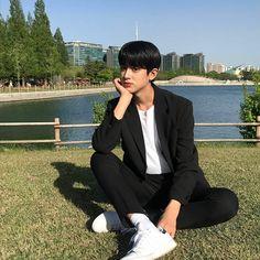 so boyfriend 😍 Kim Min, Mingyu, Kpop Boy, Ulzzang, My Idol, Nct, Boyfriend, Photo And Video, Boys