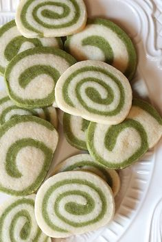 MATCHA GREEN TEA SWIRL SUGAR COOKIE [blommi]
