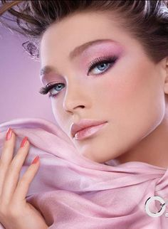 Pink Makeup- this reminds me of the 80s, which is probably why I think it's so pretty.