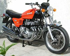 Benelli Sei 750, the first 6 cylinder on a commercial motorbike