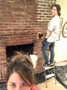 How to Mortar Wash a Brick Fireplace Brick Fireplace Makeover Mortar Wash Tutorial Dimples and Tangles Fireplace Mortar, White Wash Brick Fireplace, Red Brick Fireplaces, Paint Fireplace, Small Fireplace, Home Fireplace, Fireplace Mantels, Mantles, Fireplace Stone