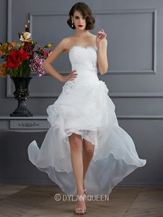 A-Line/Princess Sweetheart Sleeveless Applique Asymmetrical Organza Wedding Dress