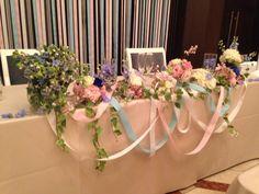 メインテーブル&バッグ☆リボンアレンジ wedding display#ribbon #cute #back drop @chandelier table