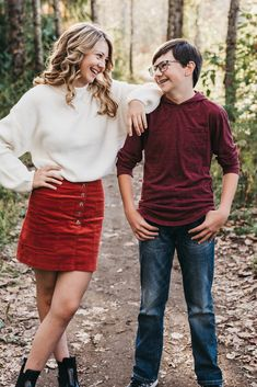 I'd do this one with jake, since he's younger Family Portrait Poses, Family Picture Poses, Family Picture Outfits, Fall Family Photos, Family Posing, Teenage Family Photos, Older Family Photos, Older Sibling Photos, Family Pictures