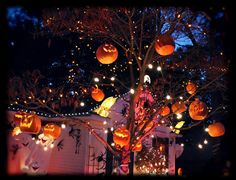 Halloween tree by HF member...magical!