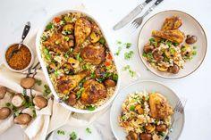 South African Recipes, Ethnic Recipes, Chana Masala, Fried Rice, Kos, Recipies, Stuffed Mushrooms, Deserts, Curry