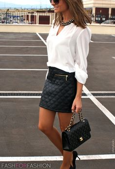 Street Style   Black and White   Chanel