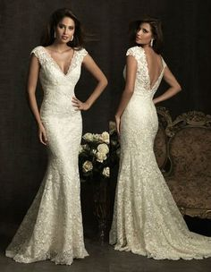 Nothing beats Lace for a elegant wedding dress!!!