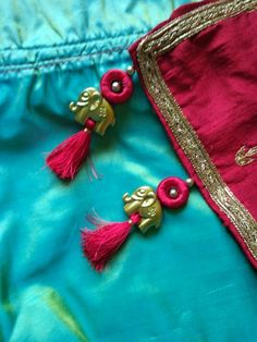 Saree Tassels Designs, Saree Kuchu Designs, Sari Blouse Designs, Henna Designs, Thread Bangles, Thread Jewellery, Hand Embroidery, Embroidery Designs, Stitching Dresses