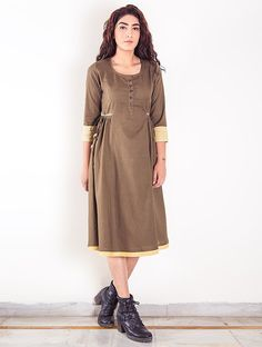 Discount Women S Fashion Boots Stylish Kurtis Design, Stylish Dress Designs, Stylish Dresses, Kurta Designs, Blouse Designs, Casual Work Outfits, Trendy Outfits, Fashion Outfits, Fashion Top
