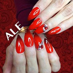 @_nailsby_ale's mani are a perfect match for this summer heat! Get the look with our Perfect Match Mood Gel Polish in Dark Rose! ❤️
