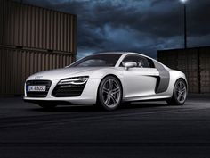 Audi R8 2015 will not only be lighter and more economical than the first generation, but faster.
