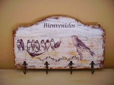 Retazos de Madera                                                                                                                                                                                 Más Decoupage Box, Decoupage Vintage, Wood Projects, Projects To Try, Funky Junk, Kirigami, Wood And Metal, Painting On Wood, Hanger