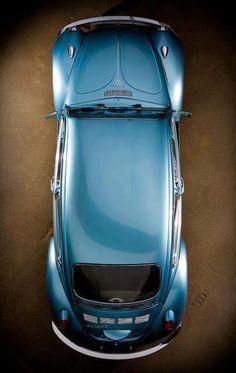 Un 'Escarabajo' tan importante para la humanidad, que es el auto más vendido en el mundo y fue escogido como el Carro del Siglo XX. Si usted tiene uno, no olvide felicitarlo... y compartirnos una foto :)