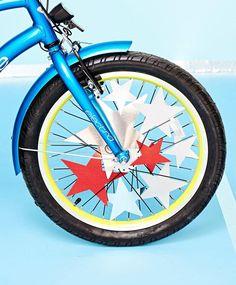 4 Fun Ways to Decorate Kids' Bike Spokes Kids Ride On, Kids Bike, Bike Birthday Parties, Bike Parade, Bicycle Decor, Motorcycle Battery, 4th Of July Decorations, American Decor, Easy Rider
