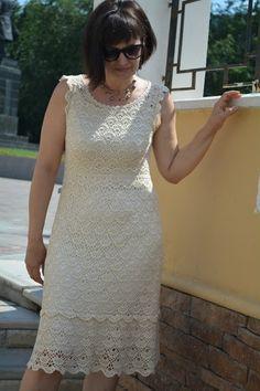Beautiful crochet dress from Almas with aspens. Summer Formal Dresses, Crochet Summer Dresses, Formal Dresses For Weddings, Crotchet Dress, Crochet Blouse, Knit Dress, Blouse Dress, Dress Skirt, Little Dresses