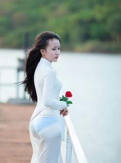 [ No sex ] Ảnh thể loại áo dài mỏng :3 - Fanboy Tag Vietnamese Traditional Dress, Vietnamese Dress, Ao Dai, Sexy Outfits, Sexy Dresses, Burmese Girls, Cute Asian Girls, Beautiful Asian Women, Asian Fashion