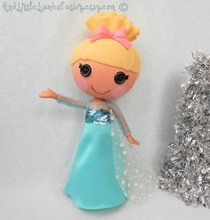 Lalaloopsy Clothes  Elsa  Frozen  Princess by AndLittleLambsEatIvy, $25.00 omg Aaliyah would love!!
