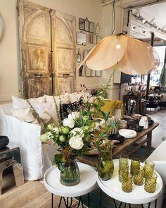 La suspension Pale de Georges Store || Boutique Ailleurs Paris Turbulence Deco, Table Settings, Sweet Home, Cottage, Lights, Table Decorations, Living Room, Interior Design, Floral