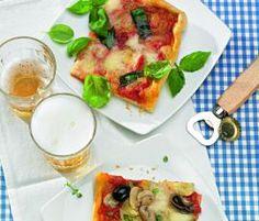 Recept Pizza Margherita od Vorwerk vývoj receptů - Recept z kategorie Hlavní jídla - vegetariánská Kitchen Machine, Pizza Recipes, Mozzarella, Ethnic Recipes, Food, Thermomix, Essen, Meals, Yemek