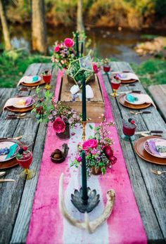 15 Unique Wedding Tablescapes That Take the Cake