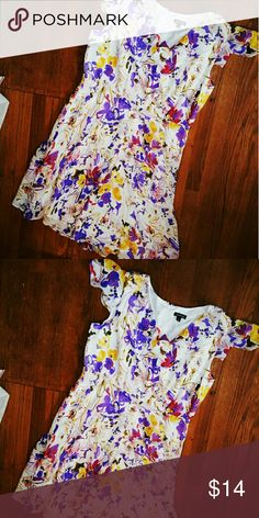 George floral dress Pretty floral pattern, mid length, lined chiffon fabric, gently loved George Dresses Midi