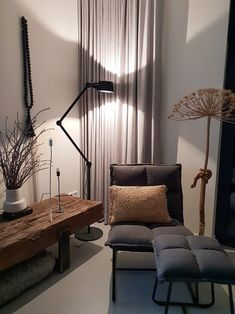 Mooi licht door de Tonone Bolt lamp 🖤 Living Room Interior, Home Living Room, Living Room Decor, Dining Room Design, Home Furniture, Decoration, Sweet Home, New Homes, Interior Design