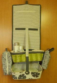 Patchwork- und Quiltforum - - Extra grosse Kulturtasche zum hängen