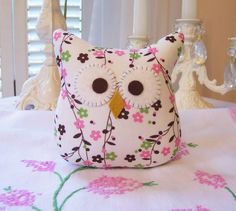 Owl pillow buho