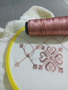 Havlu7 Crewel Embroidery, Bargello, Cross Stitch Designs, Fiber Art, Needlework, Tapestry, Diy Crafts, Crafty, Sewing